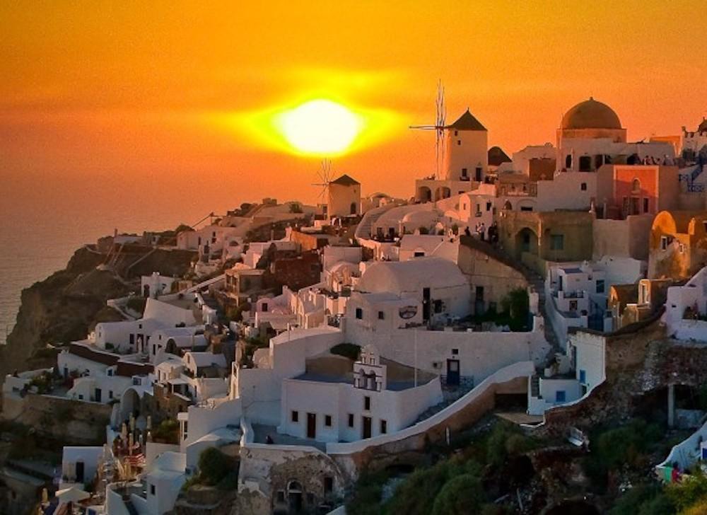 Breathtaking Oia – A Wonderful Palette In The Aegean Sea